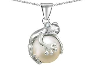 Star K Frog Pendant Necklace With 10mm Simulated Pearl Ball